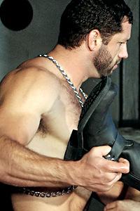 male muscle gay porn star Bret Wolfe | hotmusclefucker.com