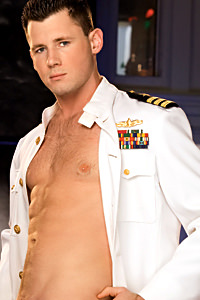 male muscle gay porn star Barrett Long | hotmusclefucker.com