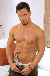 male muscle gay porn star Bruno Bordas | hotmusclefucker.com