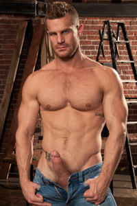 male muscle gay porn star Landon Conrad | hotmusclefucker.com