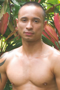 male muscle gay porn star Mario Cruz | hotmusclefucker.com