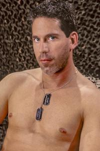 male muscle gay porn star Sam Dixon | hotmusclefucker.com