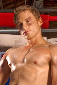male muscle gay porn star Brandon Bangs | hotmusclefucker.com