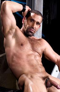 male muscle gay porn star Leo Rocca | hotmusclefucker.com