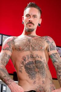 male muscle gay porn star Ryan Patrix | hotmusclefucker.com