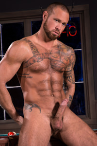 male muscle gay porn star Michael Roman | hotmusclefucker.com
