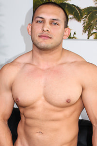 male muscle gay porn star Vincent | hotmusclefucker.com