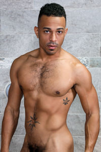 male muscle gay porn star Zario Travezz | hotmusclefucker.com