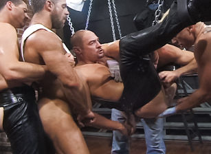 gay muscle porn clip: Up Your Alley, Part 1 - Aaron Tanner & Jeff Allen & Matthew Green & Michael Soldier & Rik Jammer & Scott Samson, on hotmusclefucker.com