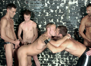 gay muscle porn video  | hotmusclefucker.com