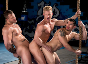 - Austin Wolf & Jeremy Spreadums & Johnny V - Hot Muscle Fucker