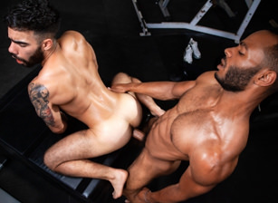 Papi Suave & Rooney Marx in Outta The Park! | hotmusclefucker.com