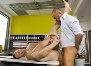 gay muscle porn video Head Hunters 2 - (distribution scene) | hotmusclefucker.com