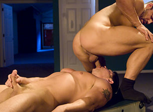 Vince Ferelli & Josh Griffin in Movers N Shakers | hotmusclefucker.com